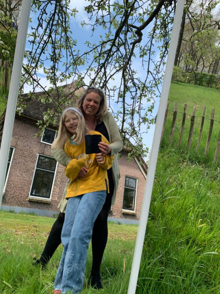 Anke Teunissen en dochter Jikke van Raaij. Beeld selfie