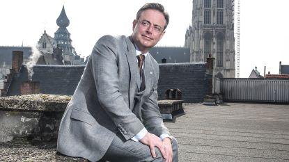 """Burgemeester De Wever: """"Ik ken van nabij mensen die aan de coke zitten"""""""