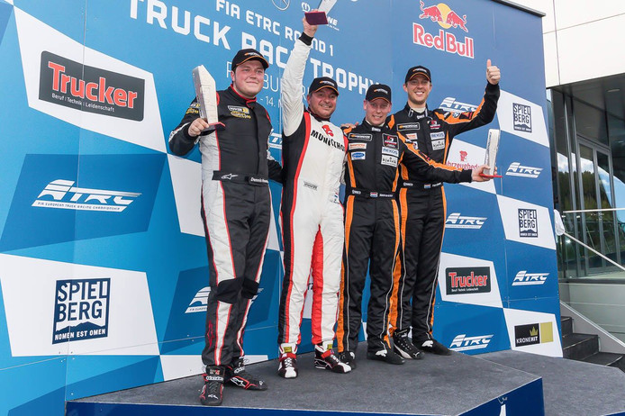 Na een knappe inhaalrace eindigde BS Racing Team als derde in de eerste ronde van de Supercar Challenge in Oostenrijk.
