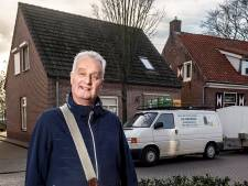 Na 48 jaar rijdt melkboer Ad Groffen zijn laatste rondjes: 'Op menig adres zal ik een traantje laten'