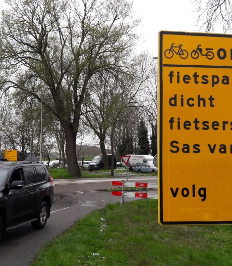 Flinke omweg voor fietsers tussen Sluiskil en Sas van Gent, fietspad Westkade tot eind mei dicht