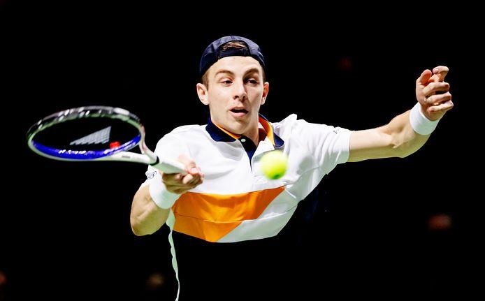 Tallon Griekspoor in de partij tegen Jo-Wilfried Tsonga (Frankrijk) tijdens de 46e editie van het ABN AMRO World Tennis Tournament.