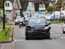 Eén kind gewond geraakt bij kop-staart-botsing in Apeldoorn