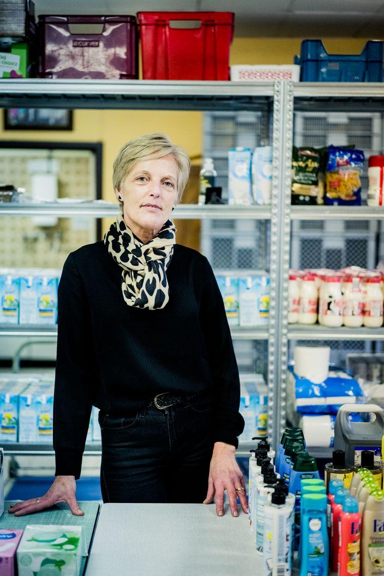 Ann Verhulst: 'Waarom zou ik meteen een nieuwe job zoeken? Om nog meer te kunnen uitgeven aan dingen die ik niet nodig heb?' Beeld Wouter Van Vaerenbergh HUMO 2020