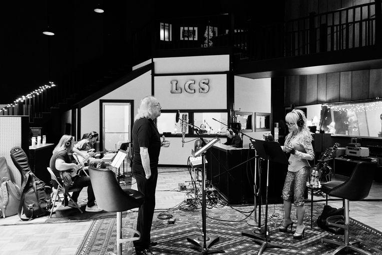 In duet met Dolly Parton voor zijn nieuwe plaat 'Greenfields': 'Ik hou van country, muziek die door mensen is gemaakt, en niet door computers.' Beeld press