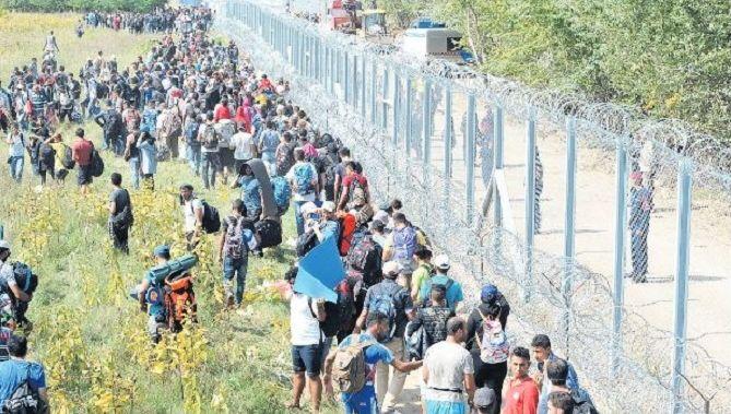 Honderden migranten zijn te laat: de grens tussen Servië en Hongarije is afgegrendeld. Belgrado is woedend op Boedapest, omdat de Hongaren Servië nu met de vluchtelingen opzadelen
