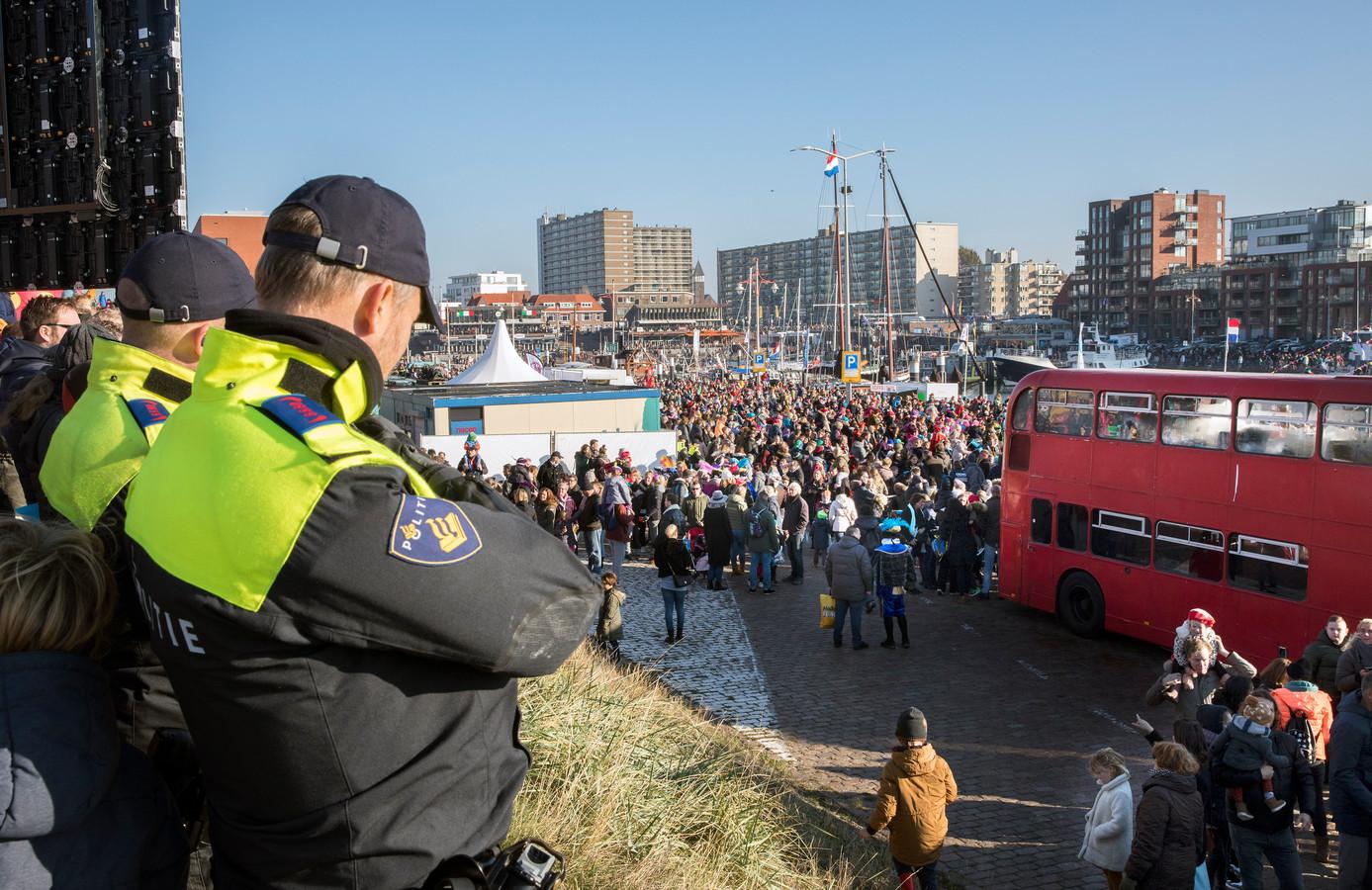 Veel politie op de been in verband met aangekondigde demonstraties tegen zwarte piet.