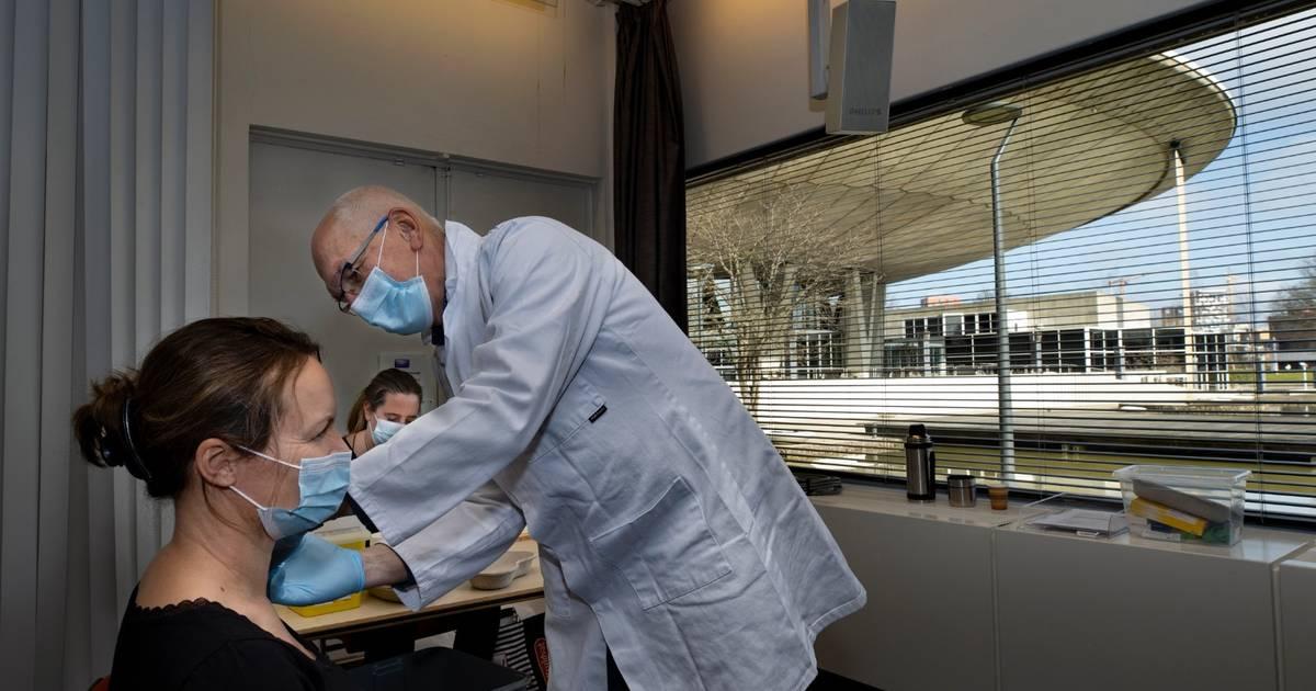 Vaccineren op een iconische plek: het Evoluon in Eindhoven - Eindhovens Dagblad
