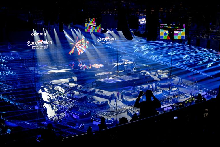 De immense set voor het Eurovisie Songfestival 2021– podium, decor, videoschermen, geluid en licht – zijn vrijwel 'af' en de look van het podium én het decor is grotendeels zichtbaar.  Beeld ANP