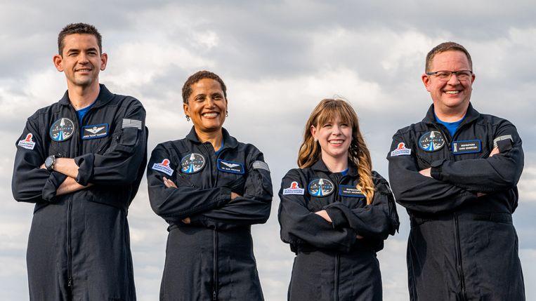 De Inspiration4 crew, van links naar rechts: Jared Isaacman, Sian Proctor, Hayley Arceneaux en Chris Sembroski.  Beeld AFP