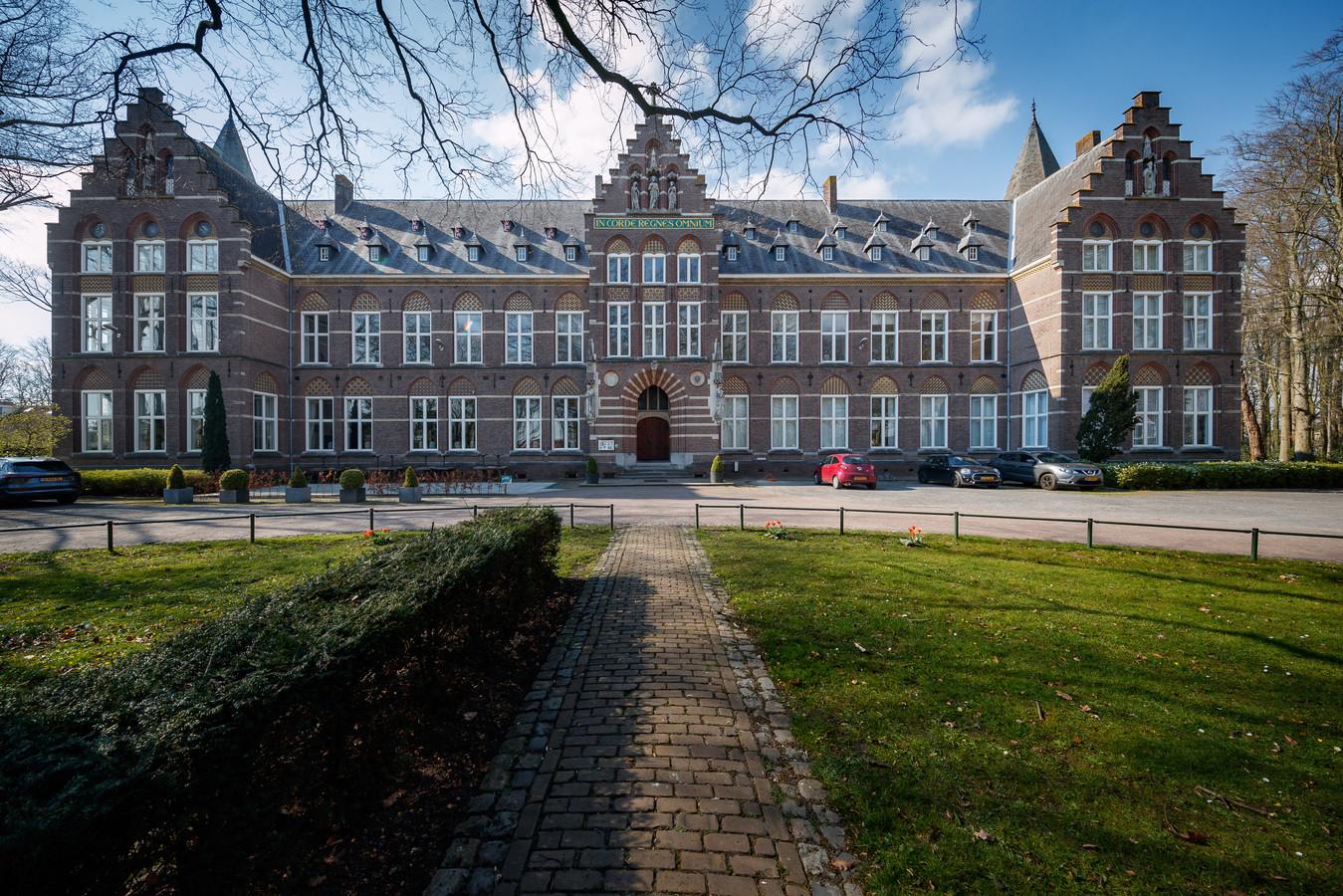 Bovendonk in Hoeven is nu tijdelijk opvang voor Changes GGZ, een instelling in verslavingszorg.