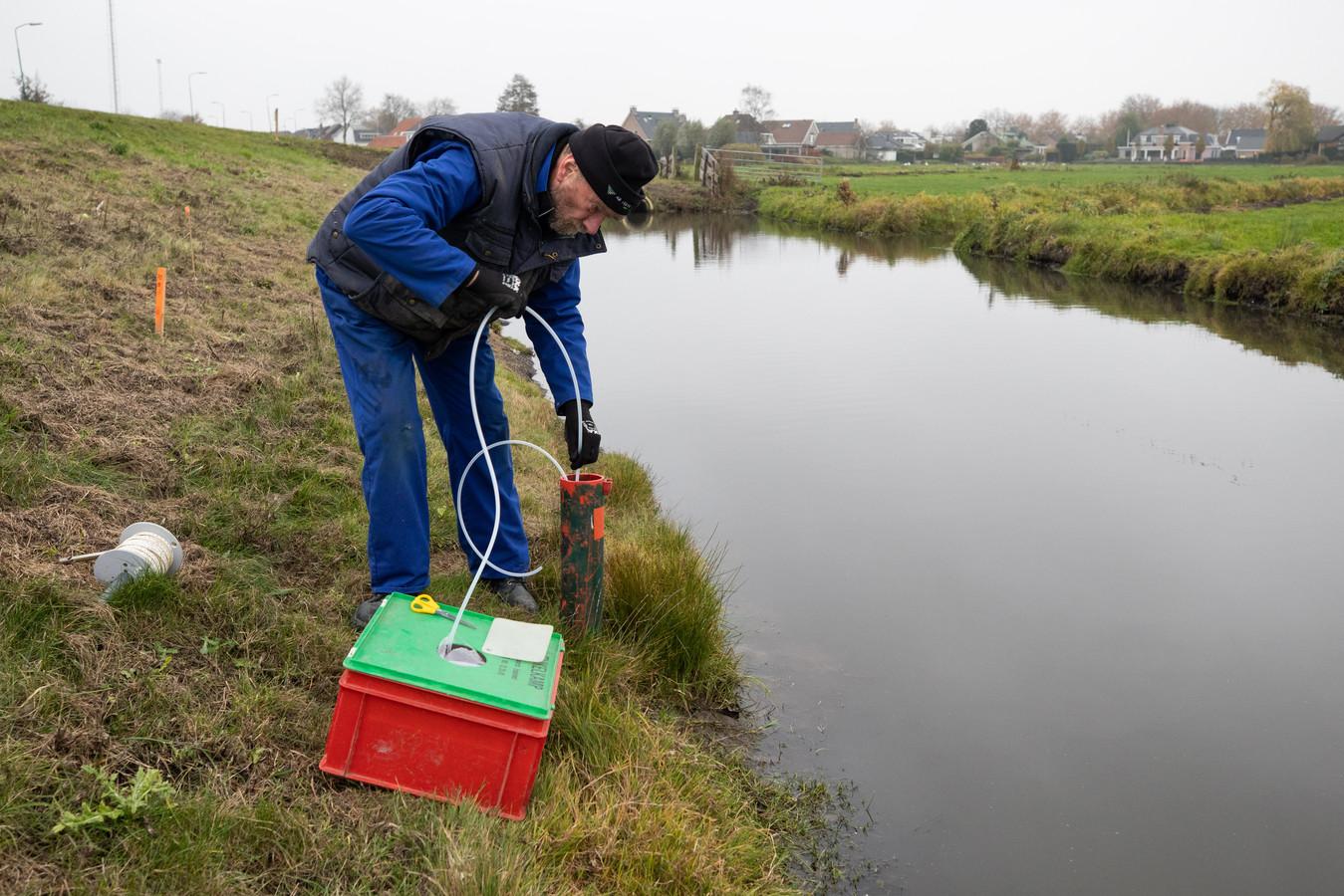 De bodems van sloten aan de Westdijk zijn ook verontreinigd.