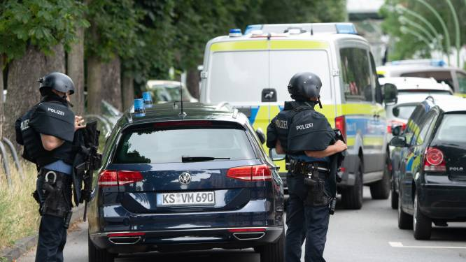 Grote politieoperatie in Frankfurt na meerdere schoten, lichaam van man gevonden in appartement