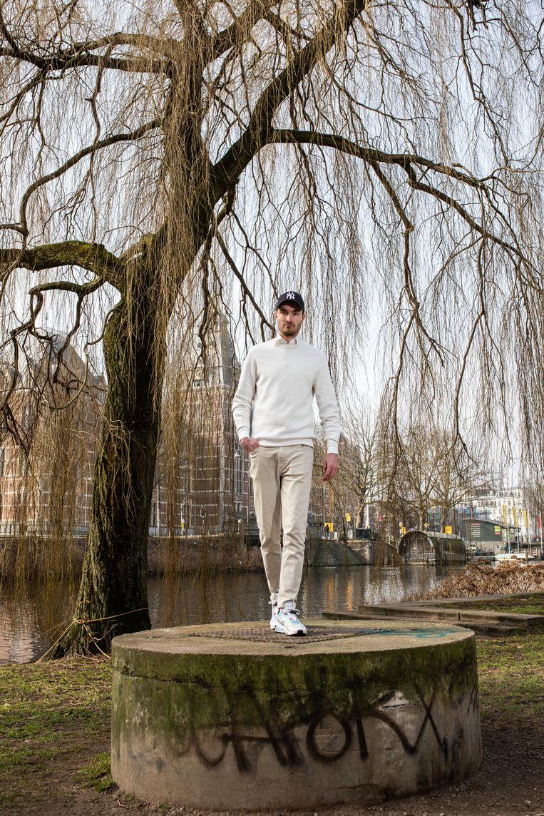 Boris Lange: 'Ik speel vier keer week padel; ze noemen me 'de Donny van de Beek van Play Padel Club.'  Beeld Nosh Neneh