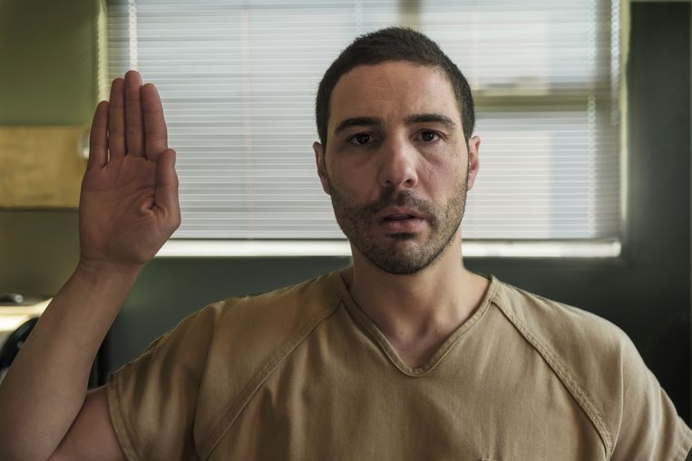 Tahar Rahim als Mohamedou Ould Slahi, die veertien jaar vastzat in Guantanamo Bay, in The Mauritanian.   Beeld