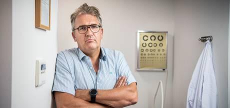 Huisarts Rob Elens stuurt patiënten weg zonder coronaprik als ze geen verklaring willen tekenen