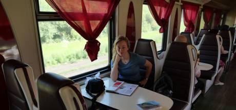 Denise van Dalen schrijft boek over treinreis: 'Beeld over de Russen bijgesteld'