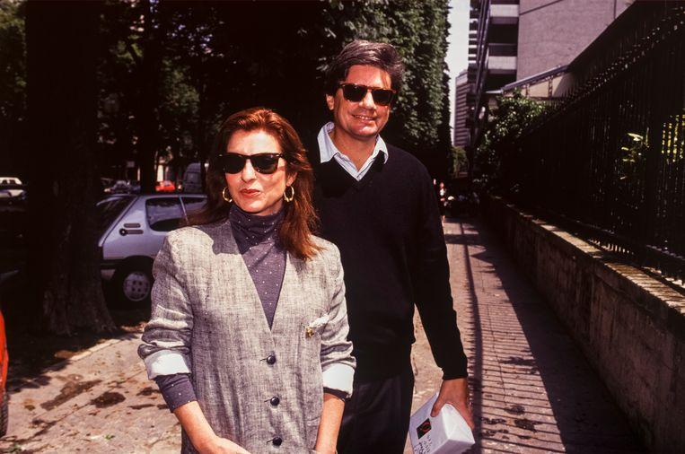 Actrice Marie-France Pisier en haar echtgenoot Thierry Funck-Brentano. 'Hij was totaal haar type niet. Ze viel eerder voor intellectuelen, maar die wezen haar op haar tekortkomingen.' Beeld Gamma-Rapho via Getty Images