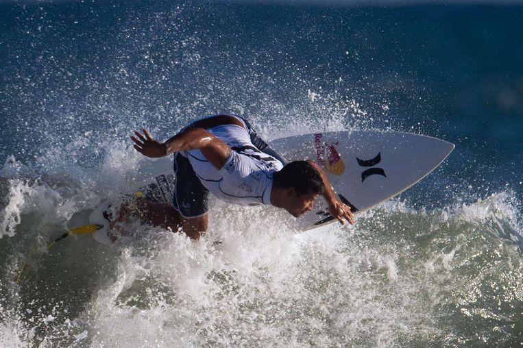 De Franse surfer Michel Bourez in actie in Rio. Beeld afp