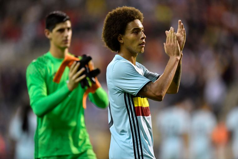 BRUSSELS, BELGIUM - SEPTEMBER 01 : Axel Witsel midfielder of Belgium and Thibaut Courtois goalkeeper of Belgium greeting the fans despite the defeat  during a FIFA international friendly match between Belgium and Spain at the King Baudouin Stadium on September 01, 2016 in Brussels, Belgium , 1/09/2016 ( Photo by Nico Vereecken / Photonews Beeld null