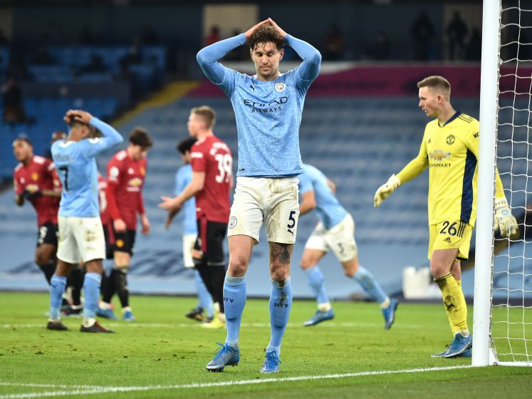 City na 21 zeges op rij onderuit in derby tegen United