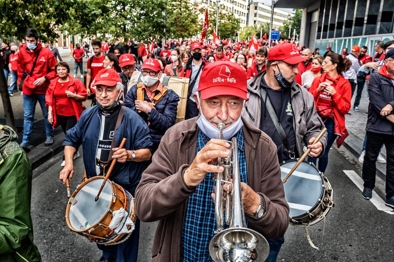 Zowat 7.000 mensen lieten van zich horen in de straten van Brussel.  Beeld Tim Dirven
