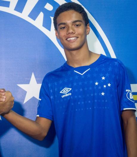 Zoontje Ronaldinho tekent bij Cruzeiro eerste profcontract