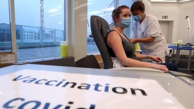 La campagne de vaccination entre dans une nouvelle phase: où en sommes-nous aujourd'hui? Et sommes-nous dans les temps?