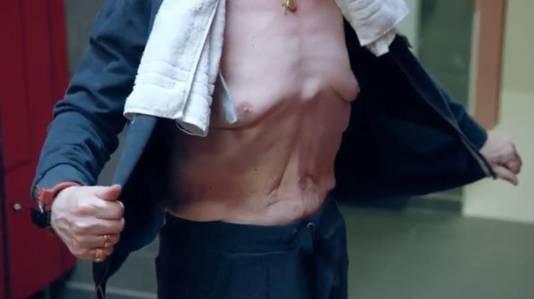 Voor het eerst toonde Koen Crucke zijn lichaam op tv.