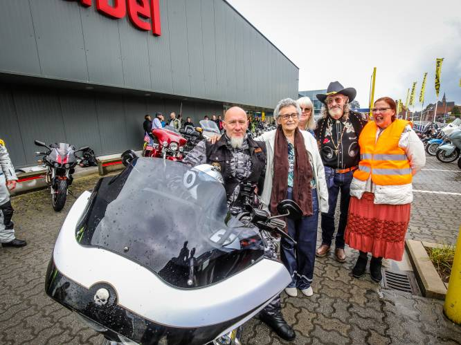 """Kankerpatiënte Andrea (67) rijdt nog één keer mee op een Harley Davidson: """"Dit geeft mij de kracht om verder te vechten"""""""
