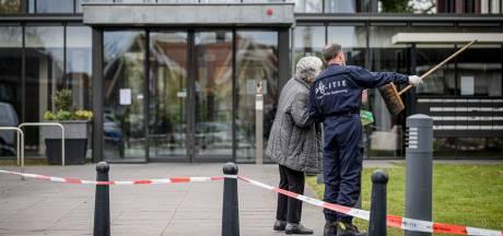 Verslagenheid in Delden na de brand: 'Twee doden zo maar uit het niets: je verstand staat er bij stil'