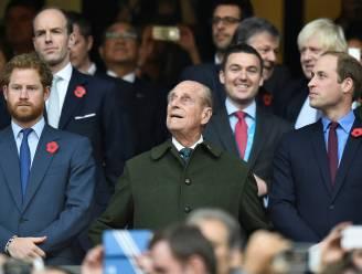 """William en Harry brengen ode aan prins Philip: """"Ik zal mijn grootvader missen, hij was altijd zo lief voor de kinderen"""""""