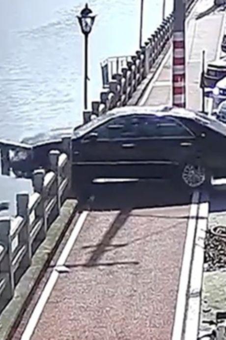 Une automobiliste secourue après avoir confondu la pédale d'accélérateur avec celle de frein au bord d'une rivière