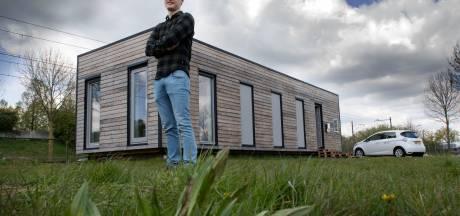 Radiatoren aan het plafond en geen wc-papier: deze studenten bouwen huis van de toekomst
