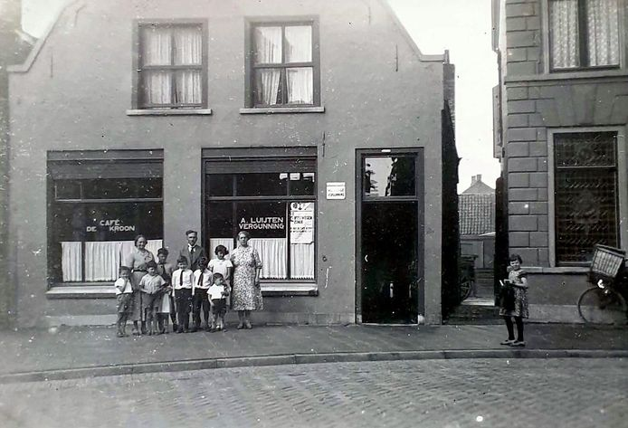 Herberg De Kroon in de Kerkstraat in Oud Gastel