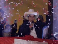 Dorpsonderwijzer Pedro Castillo (51) uitgeroepen tot president van Peru