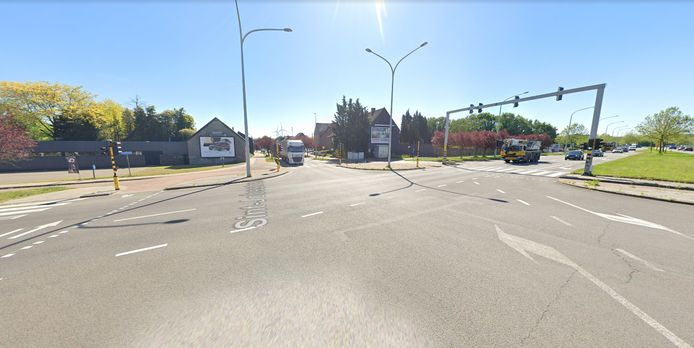 Het ongeval gebeurde op het kruispunt van Sint-Jobsstraat en de ring.