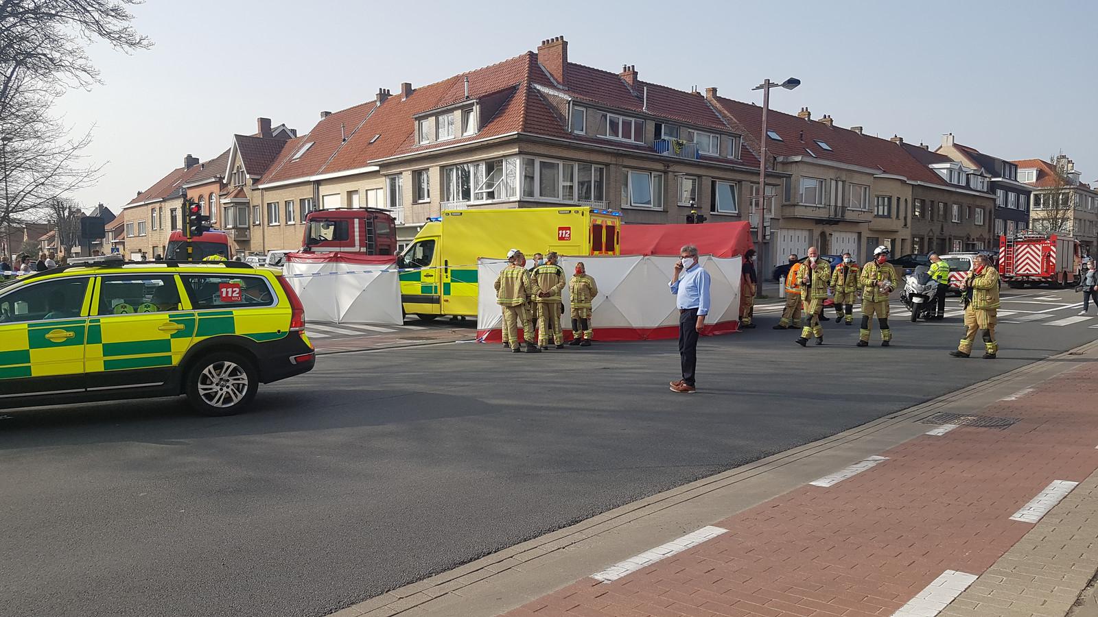 L'accident s'est produit peu avant 16h00. Le conducteur du camion, en tournant, a accroché la cycliste, qui a succombé à ses blessures.