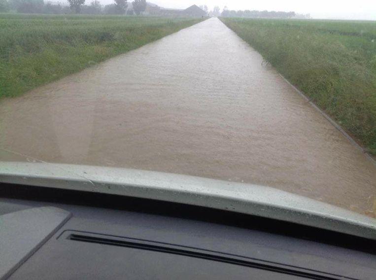 De weg van Dormaal richting Landen.