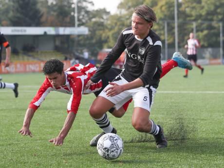 Eendracht wint ondanks vier rode kaarten, SML klopt 'Boys' en Arnhemia verliest twee keer op rij met 10-0