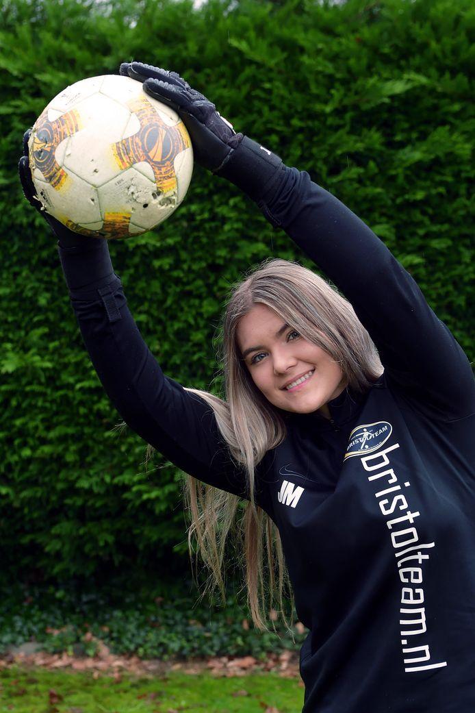 Keepster Jade Massing gaat met beurs zaalvoetballen in Amerika.