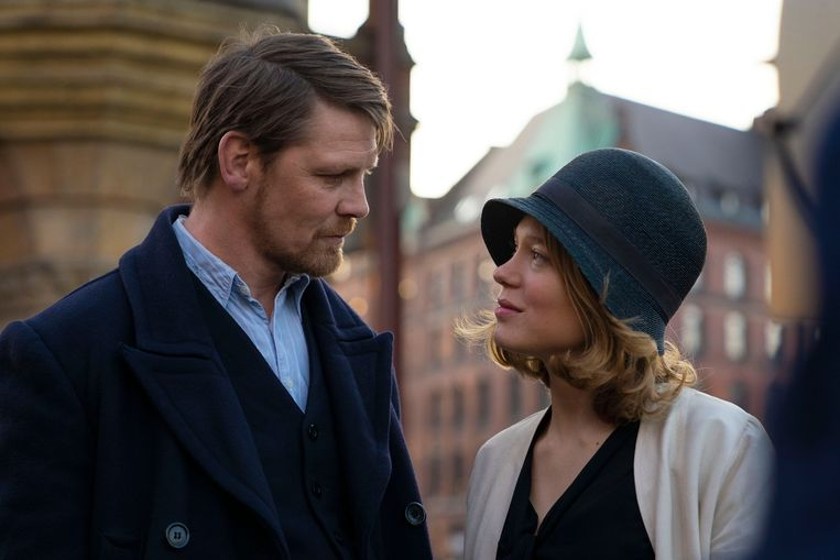 Léa Seydoux en Gijs Naber in de film 'The Story of My Wife' (2021). Beeld Photo News