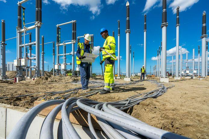 Het elektriciteitsverbruik zal in 2050 twee keer zo hoog zijn als nu. Daarom vereist de aanleg van de nieuwe energievoorzieningen een mega-investering en zullen heel veel nieuwe banen ontstaan.