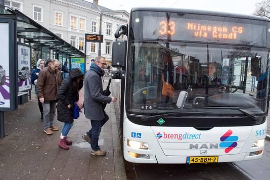 Frank Hetem uit Gendt reist normaal met de bus. Donderdagochtend vertrok hij op de fiets van huis.