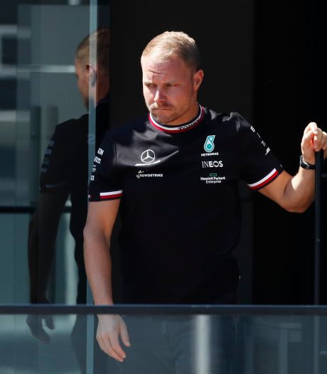 Bottas reageert op geruchten over voortijdig vertrek bij Mercedes en deelt plaagstootje uit aan Red Bull