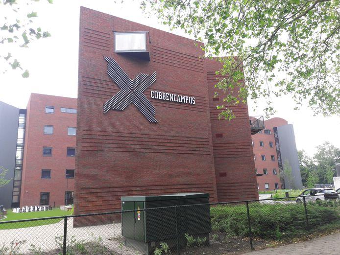 Het voormalige belastingkantoor aan de prof Cobbenhagenlaan is getransformeerd in CobbenCampus.