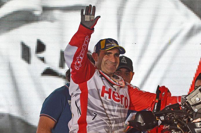 Paulo Gonçalves bij de presentatie op het startpodium in Djedda, voorafgaand aan zijn 13de Dakar Rally.
