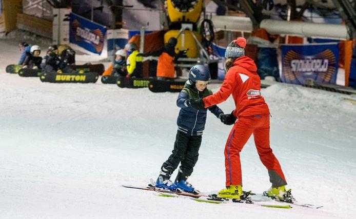 Skilessen, hier voor corona, zijn enorm populair bij SnowWorld Zoetermeer.