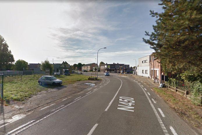 Volgende maand start de heraanleg van de parking op een braakliggend stuk grond op het kruispunt.