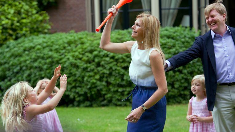 Koning Willem-Alexander met zijn gezin in Wassenaar. Beeld REUTERS